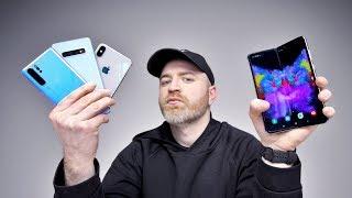 Samsung Galaxy Fold vs Flagship Smartphones