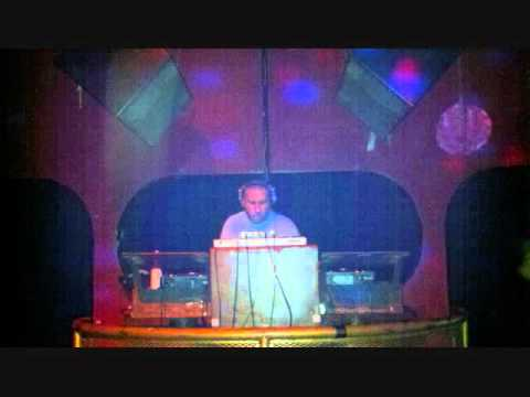 Download dj mike mccarthy funky house music sunday jam for Funky house songs