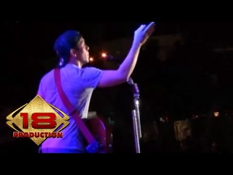 download lagu NOAH - Menunggumu Live Konser Bandung 23 Oktober 2013 gratis