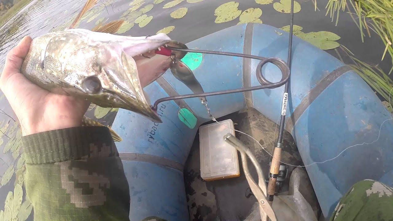 Поролоновые рыбки оснащенные тройными крючками Тройники на рыбалку своими руками