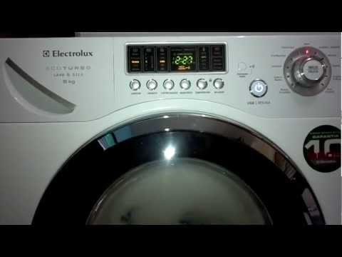 Lava e seca Electrolux Eco Turbo 9kg (LSE09) - Vazando água/espuma
