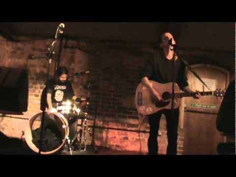 Rob Himself - I Wanna Dance With Somebody (Live Cellar Bar Bracknell, 16.12.2010)