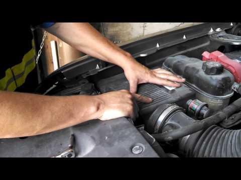 How to Change a Headlight 2007 Chevrolet Silverado