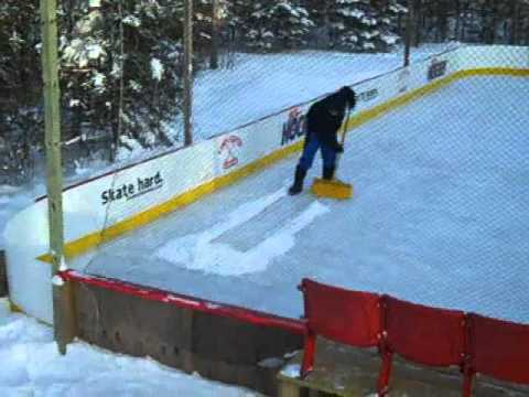 Lamplighter Hockey -- Backyard Rink