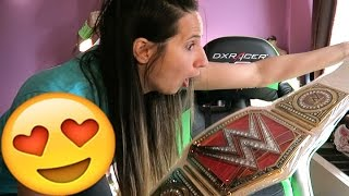 WWE WOMENS Championship Unboxing!!