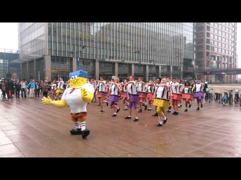SpongeBob Flash Mob at Canary Wharf