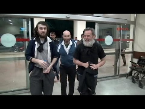 Syria: Freed French journalists head home