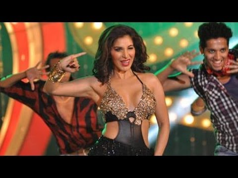 Erotic Dance Performance By Sophie Choudhry video