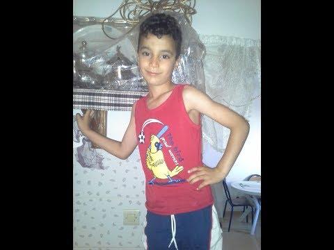 الطفل المغربي الذي أتقن رقص الوايواي وحيرا الجزائر !!! thumbnail