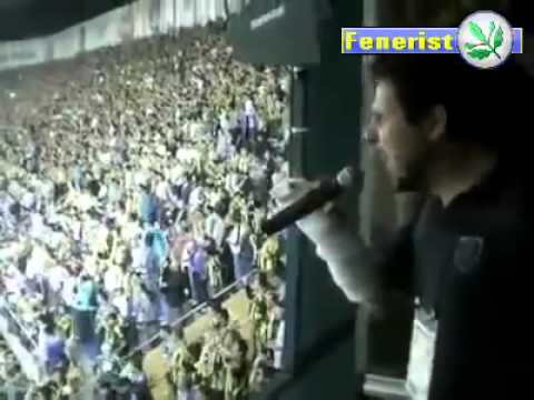 Verr�ckter stadionsprecher fenerbahcecrazy stadium speaker in turkey