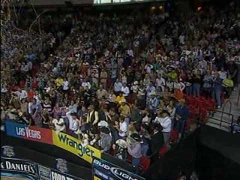 Adriano Moraes rides to win 2006 PBR World Champion