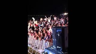 Watch Lee Kernaghan Skinny Dippin video