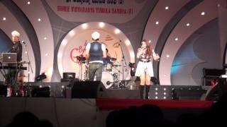 Salim Merchant Performing Ainvayi Ainvayi Live In Bangalore