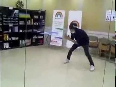[Predebut] Chanyeol dancing to Sorry Sorry Music Videos