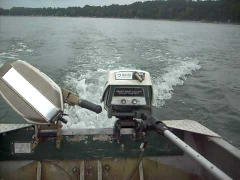 Eska Built 7hp Sears Ted Williams Outboard running on 14' Crestliner boat