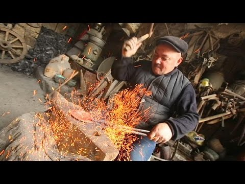 Copper craft: precious metal and traditions in Lahic - life