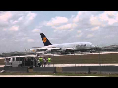 [HD] MIAMI HISTORY MADE! First Airbus A380 Miami Landing - Lufthansa Flight LH 462 06.10.11