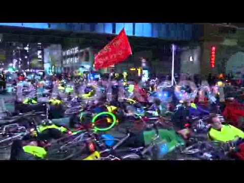 Cyclists stage 'die-in' to mourn and protest London's dangerous roads