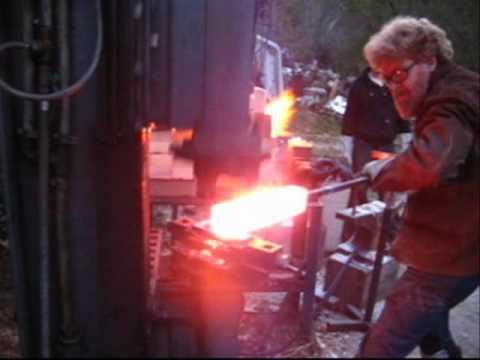 Forge welding a large damascus billet - Tutorial