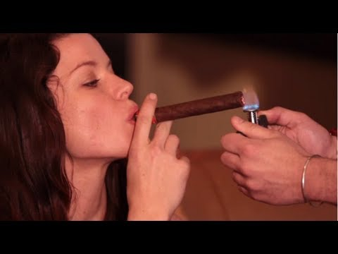 Cigar smoking lessons at Havana