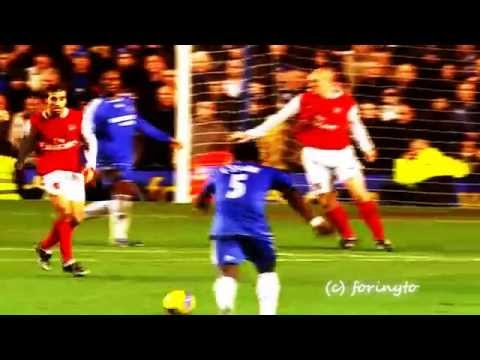 MICHAEL ESSIEN UNBELIEVABLE GOAL