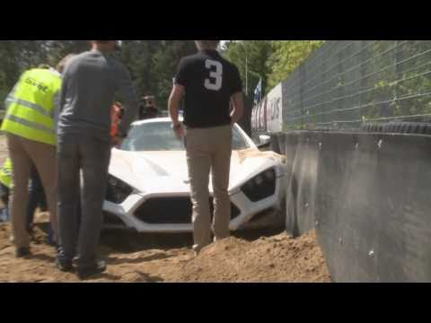 Zenvo ST1 Sound and crash !