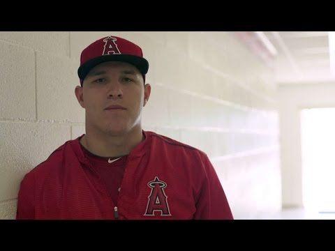 """MLB players recite famous """"Field of Dreams"""" speech"""