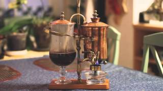 Royal Vacuum Brewer in Action - Brewing Coffee with a Balancing Syphon Brewer
