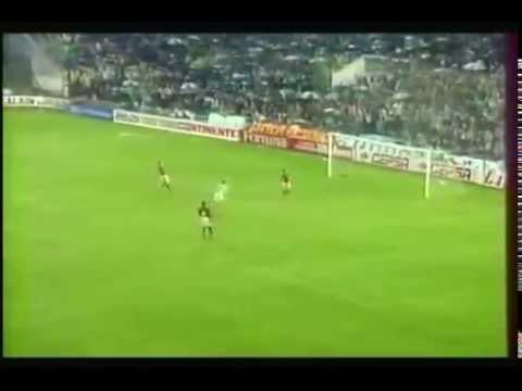 Estadio Benito Villamarín - 6 Décembre 1995 Coupe de l'UEFA (1/8 finale retour) Buts: Zinedine Zidane 4' pour Bordeaux, Trujillo Alexis 30' , Vlada Stosic 45' pour Séville (Match aller:...