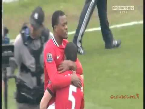 Suarez refuses Evra's shake hands and Evra celebrates win in front of Suarez