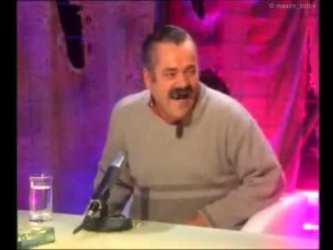 Девушка в ресторане заказывает десерт / Risitas y las paelleras