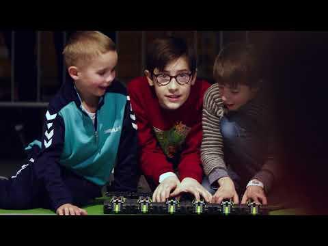 Watch World's Biggest Pull Back Stunt - LEGO Technic
