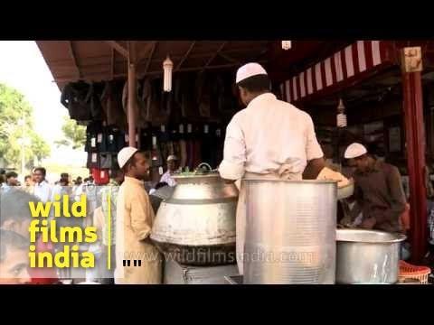 Bakra Eid celebration in Delhi : masses feast in the old city
