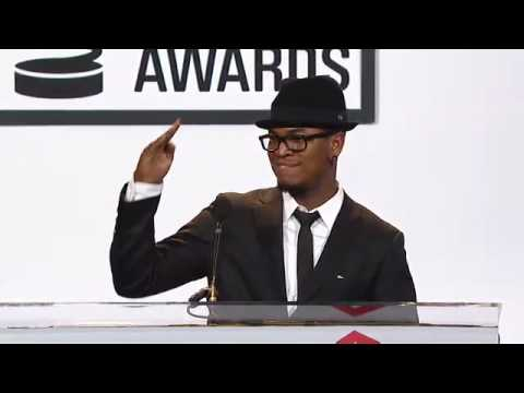 Ne-Yo introduces Artist of the Year, PS 22 at the 14th Annual Webby Awards