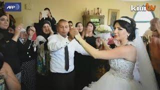 Puak Yahudi konservatif ganggu majlis kahwin