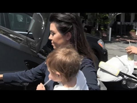 Pregnant Kourtney Kardashian Spotted at Fred Segal