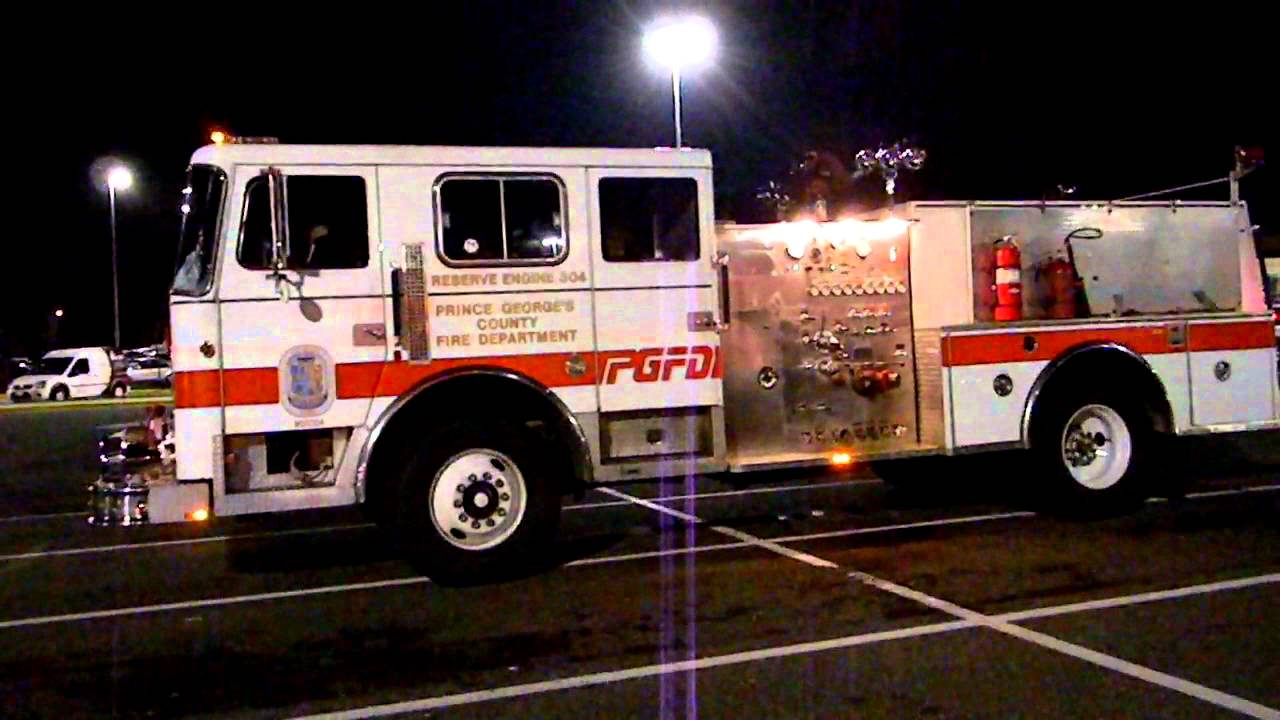 PGFD 1989 Seagrave Reserve Engine 304 Start Up - YouTube