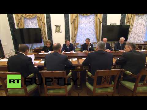 Russia: Putin welcomes gas settlement with Ukraine and Brussels