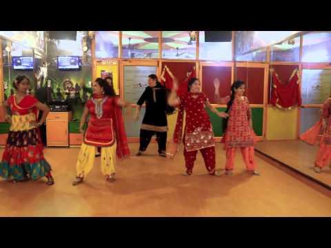 Sunder Mundriye | Lohri | Dance Performance By Step2Step Dance Studio