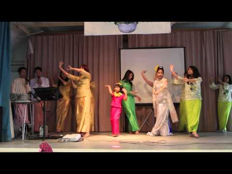 (HD) Mya Nandar song and Burmese Dance at Thingyan Festival, Cambridge, UK 2013