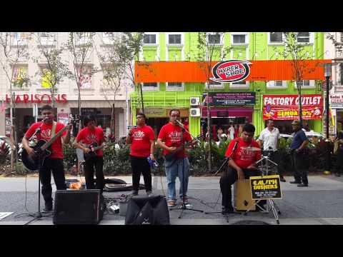 Caliph busker nyanyikan lagu ROMAN CINTA live