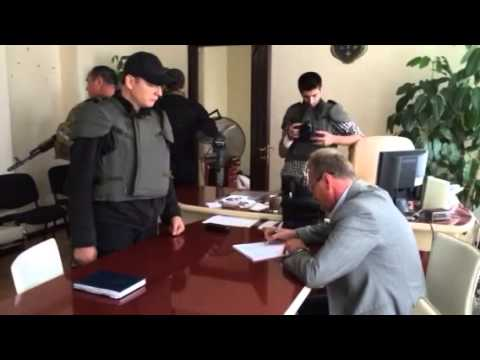 Radical party leader Oleh Lyasho forces Sloviansk city coun