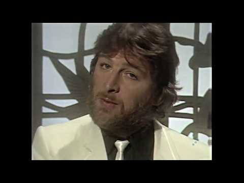Chas And Dave - There Aint No Pleasin You