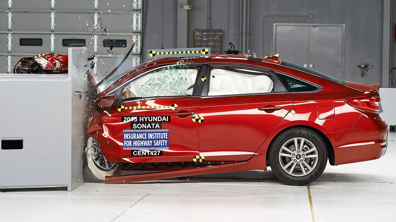 2015 Hyundai Sonata Small Overlap Iihs Crash Test Youtube