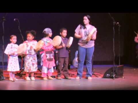 The Salish School of Spokane - iʔ‿sƛ̓aʔcínm qʷilm (deer song)