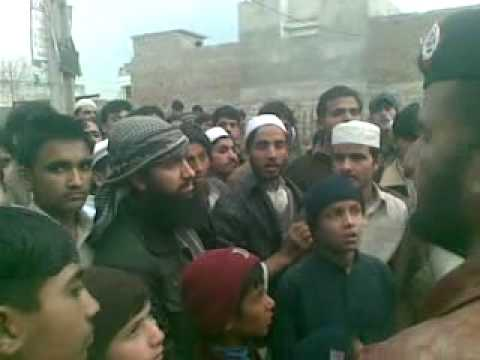 sheya sunni fight in muharram (part 2).mp4