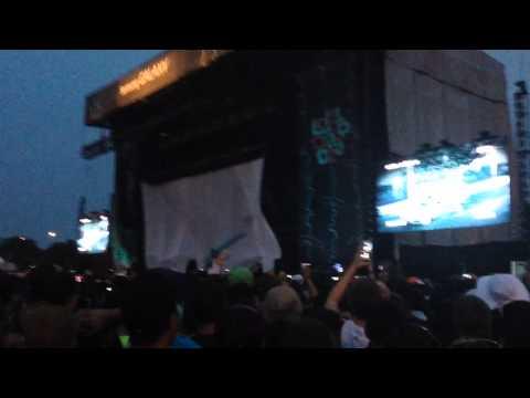 EMINEM intro at Lollapalooza