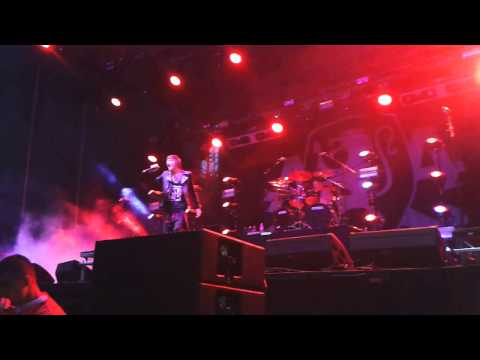 Asking Alexandria - I Won't Give In live @ Rock For People 4.6.2015