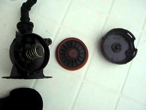 2002 BMW E46 318i N42 - CCV Valve Oil Separator .AVI