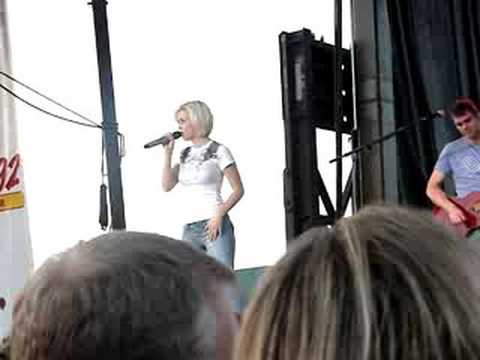 Kellie Pickler - Lucky Girl